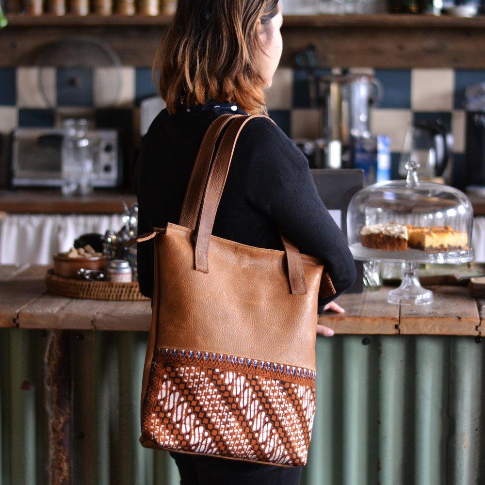 LARAS_bagtothefuture_handmadebag