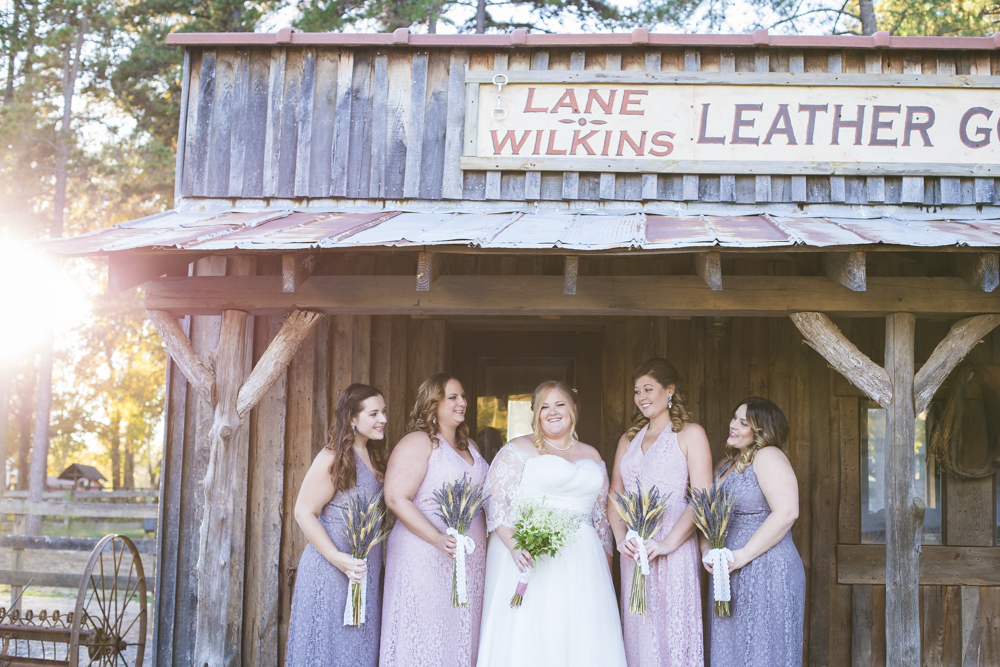If you are looking for a unique wedding venue in North Carolina, check out Circle M City in Sanford North Carolina! Circle M City adds a perfect mix of rustic & country to your wedding.