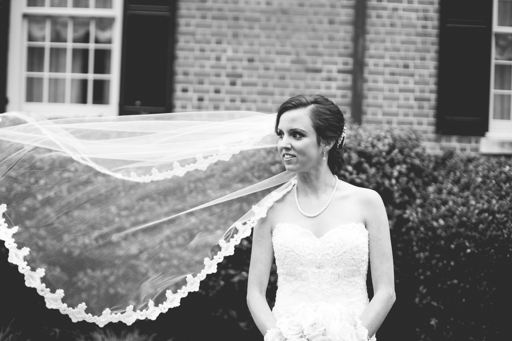 gorgeous-bride-at-the-carolina-inn-north-carolina