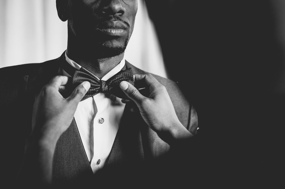 awesome-groom-detail-wedding-photos