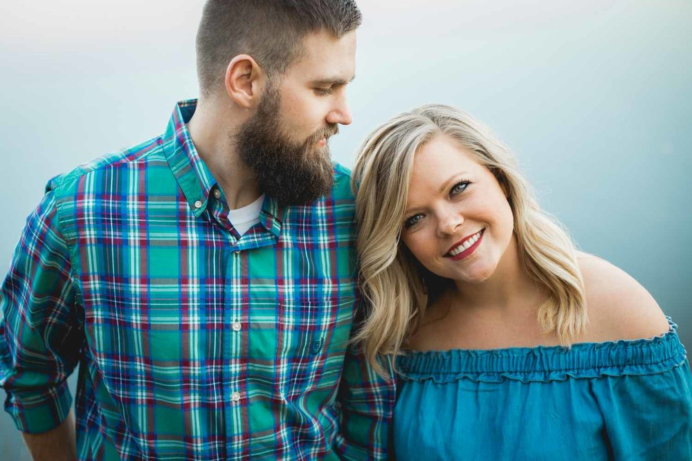 bass-lake-park-engagement-photo-shoot