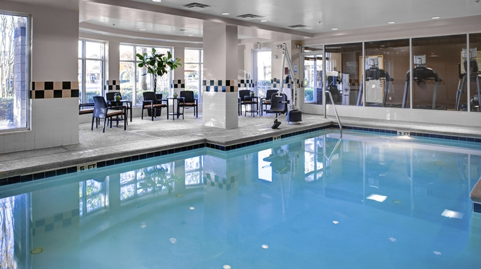 GI_indoorpool_6_698x390_FitToBoxSmallDimension_Center.jpg