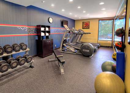 HX_fitnesscenter01_12_425x303.jpg