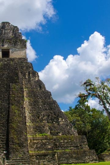 Nim Li Punit & Lubaantun - The Nim Li Punit Maya Site is named for a carving found on the longest of the site's twenty-six stone monuments, or stelae. Lubaantun is the largest Maya site in Southern Belize.
