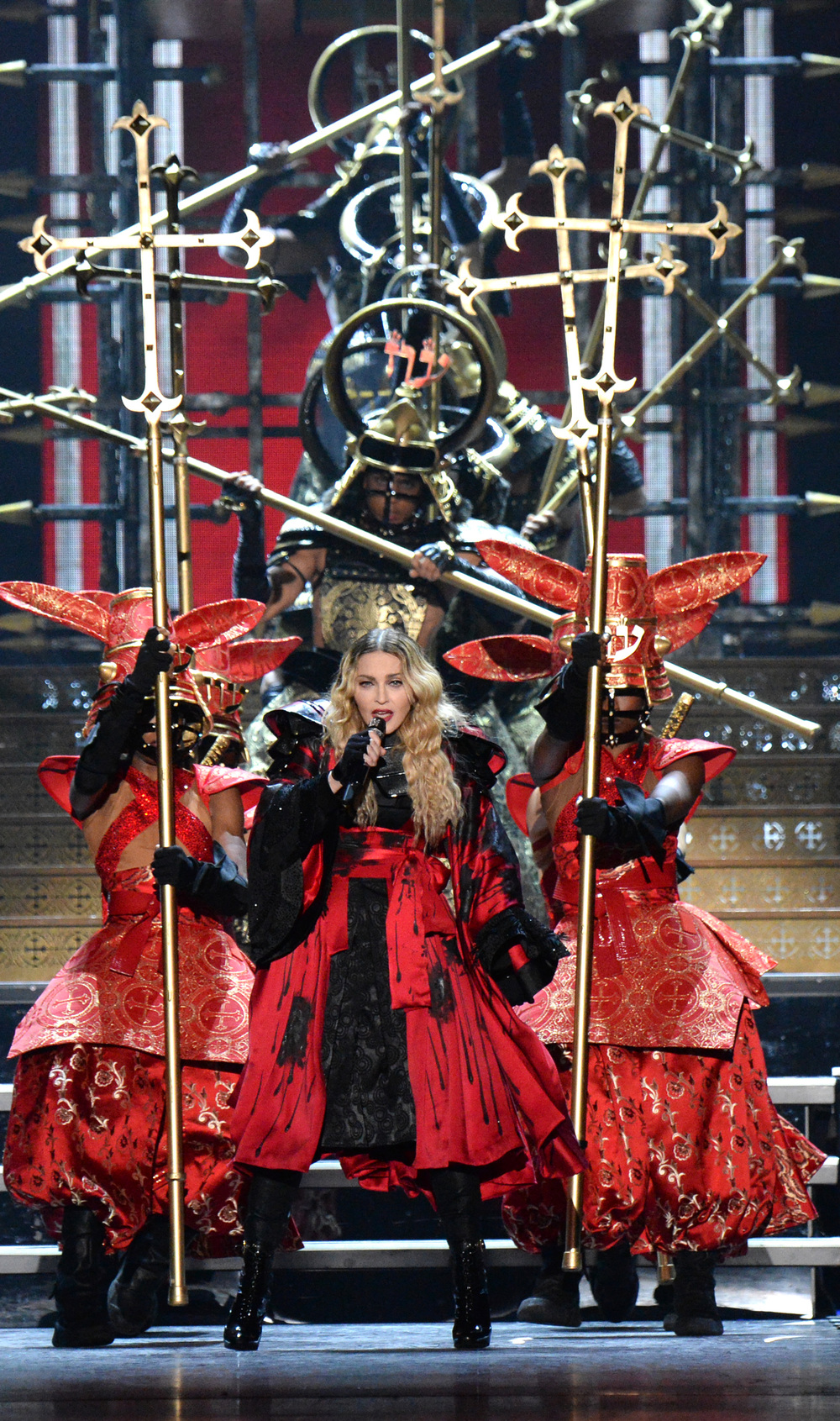 576711507LL002_Madonna_Rebe.JPG
