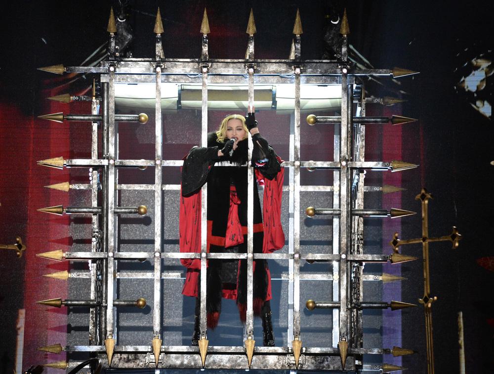 576711507LL008_Madonna_Rebe.JPG