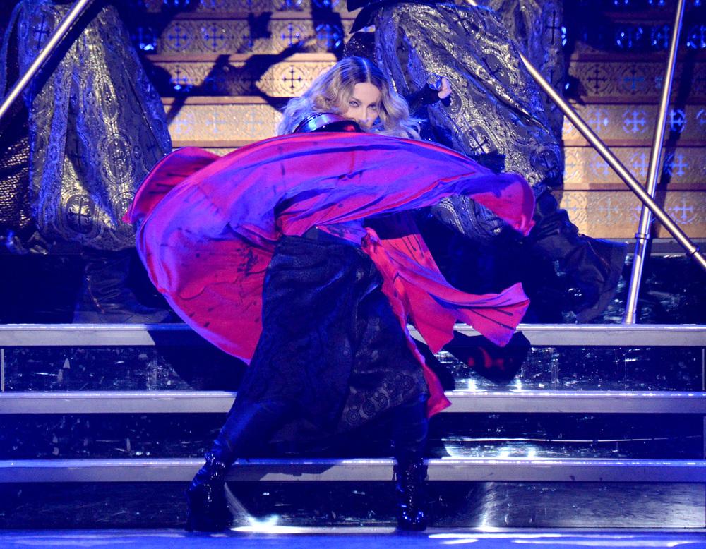 576711507LL011_Madonna_Rebe.JPG