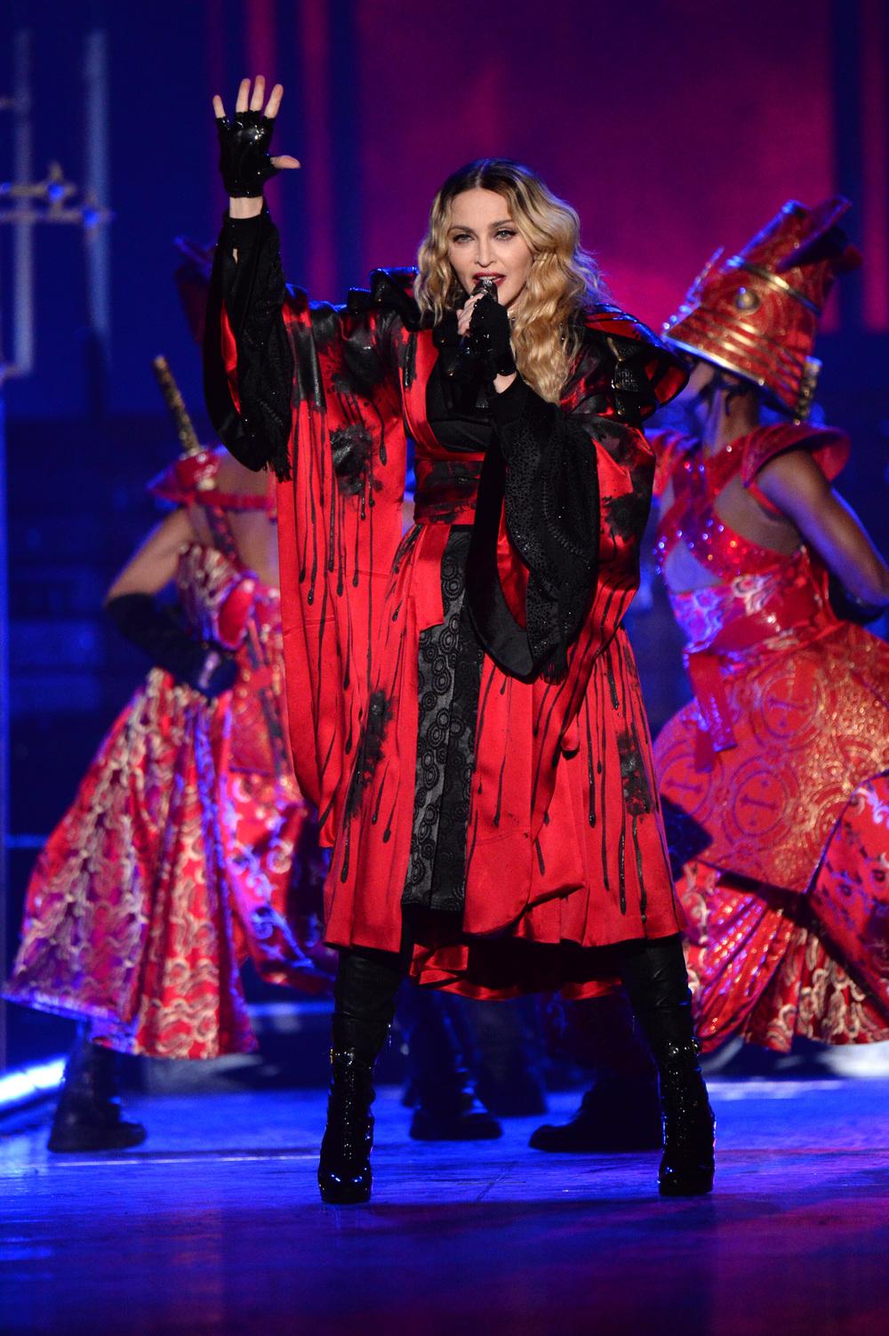 576711507LL012_Madonna_Rebe.JPG