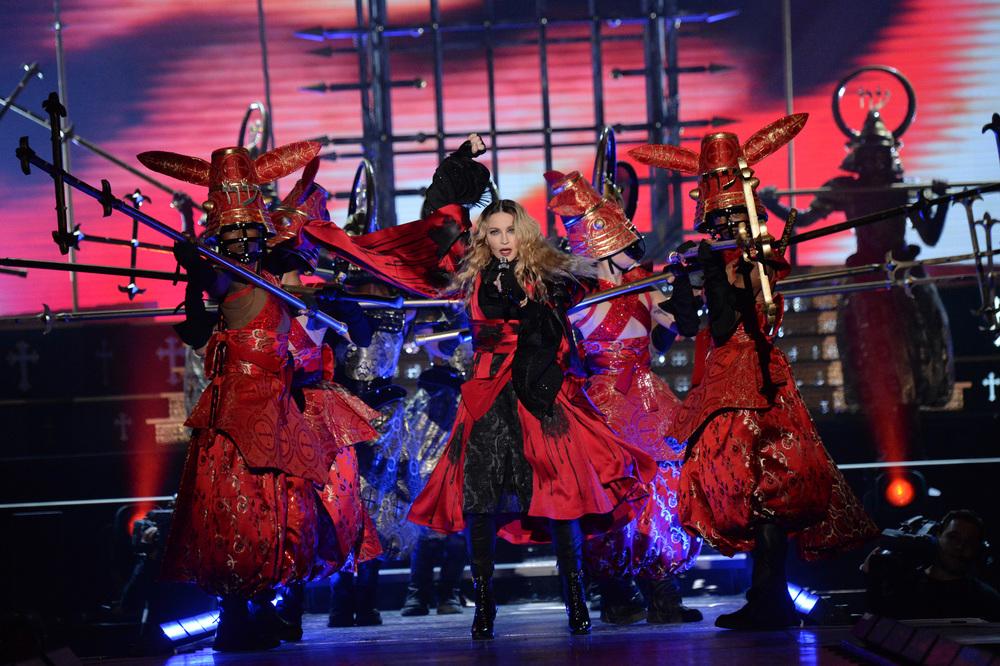 576711507LL013_Madonna_Rebe.JPG