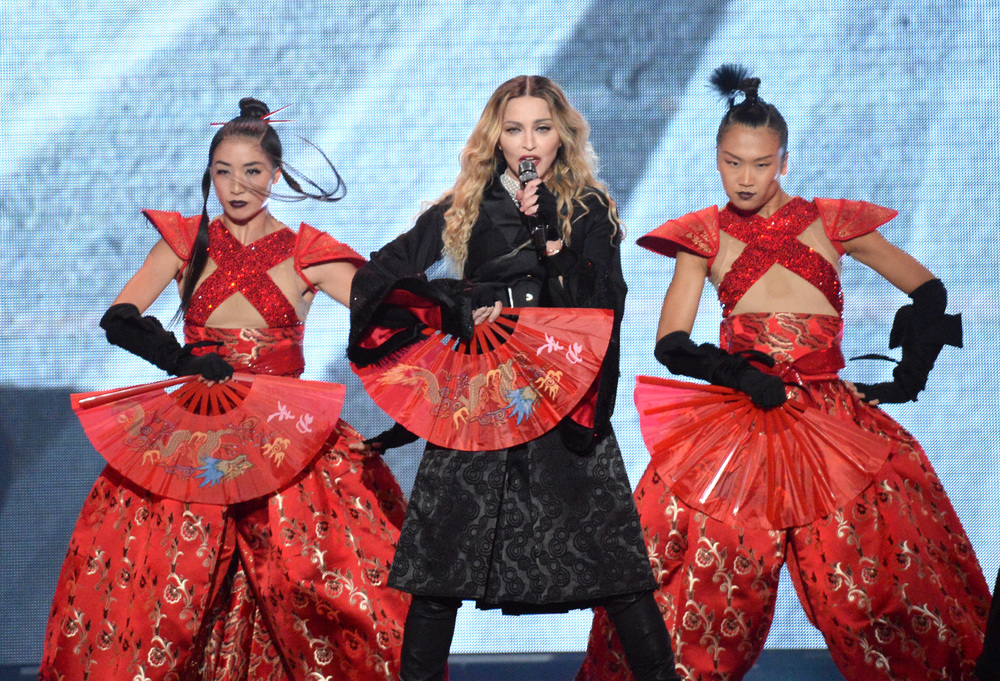 576711507LL027_Madonna_Rebe.JPG
