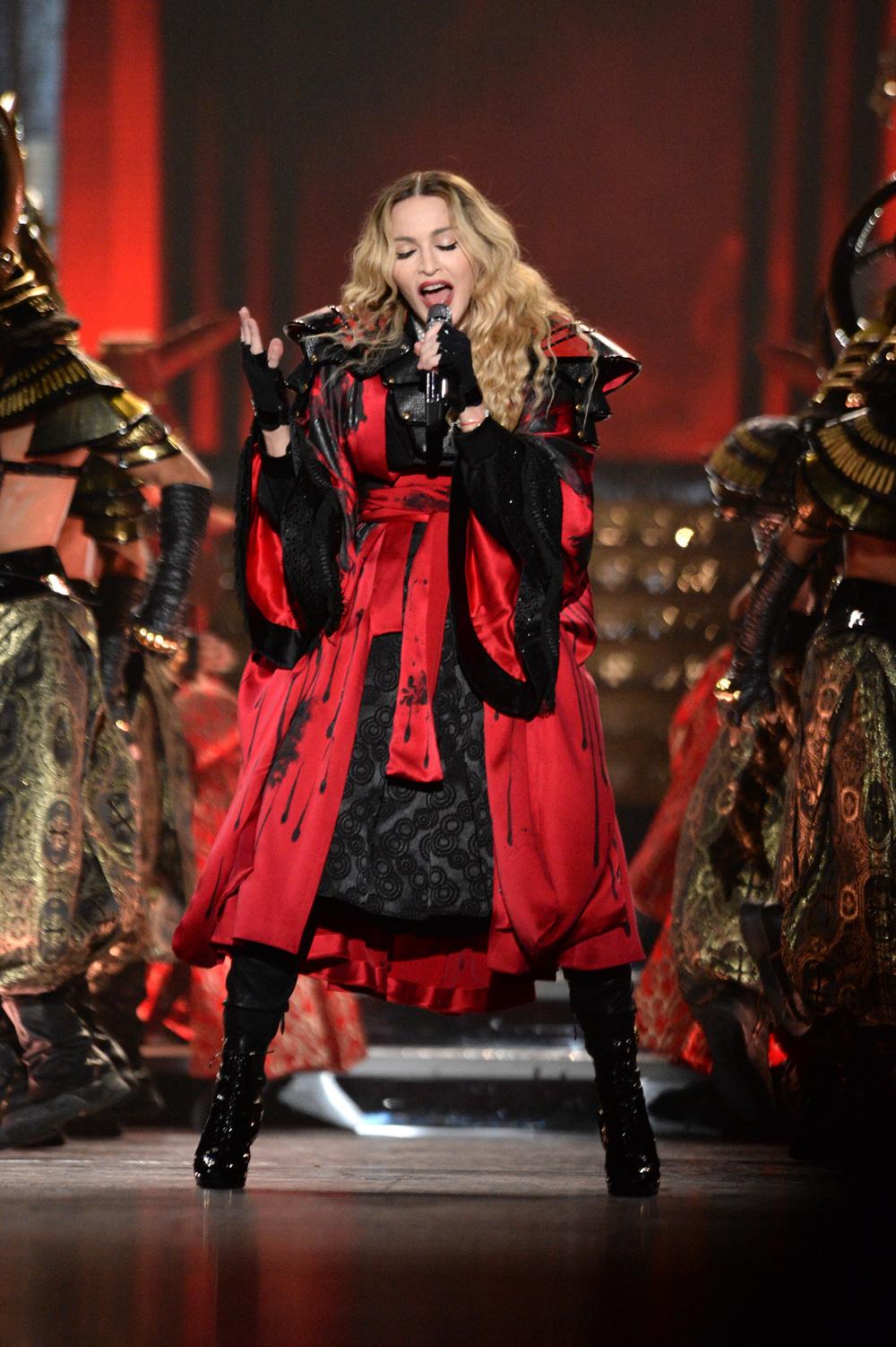 576711507LL029_Madonna_Rebe.JPG