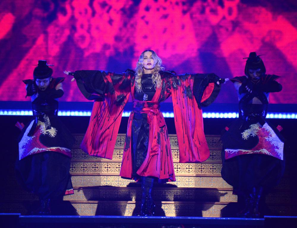 576711507LL057_Madonna_Rebe.JPG