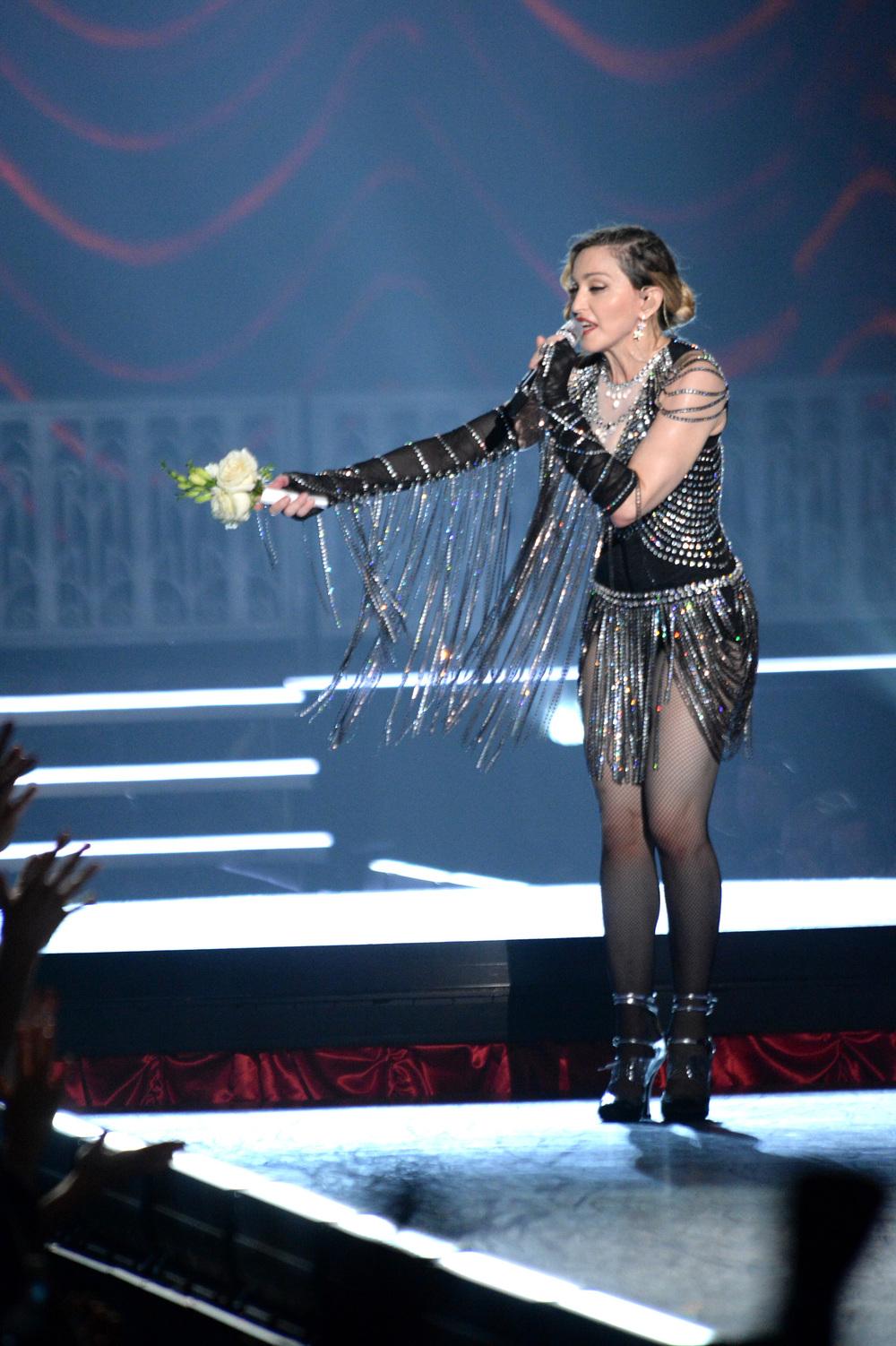 576711507LL067_Madonna_Rebe.JPG