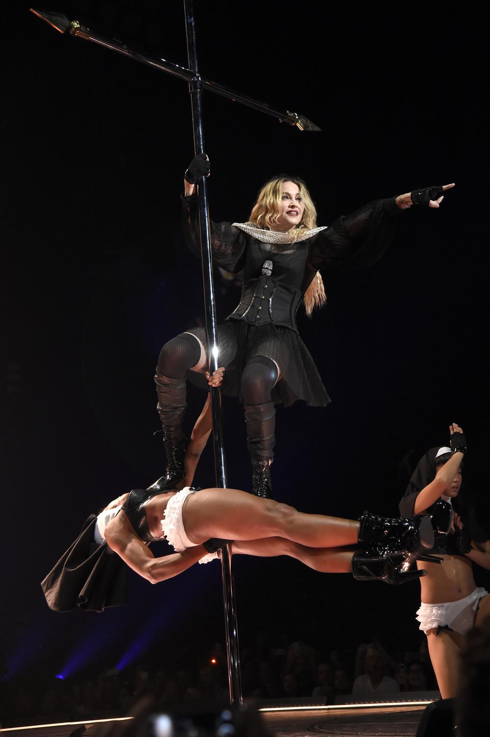 576711507LL070_Madonna_Rebe.JPG