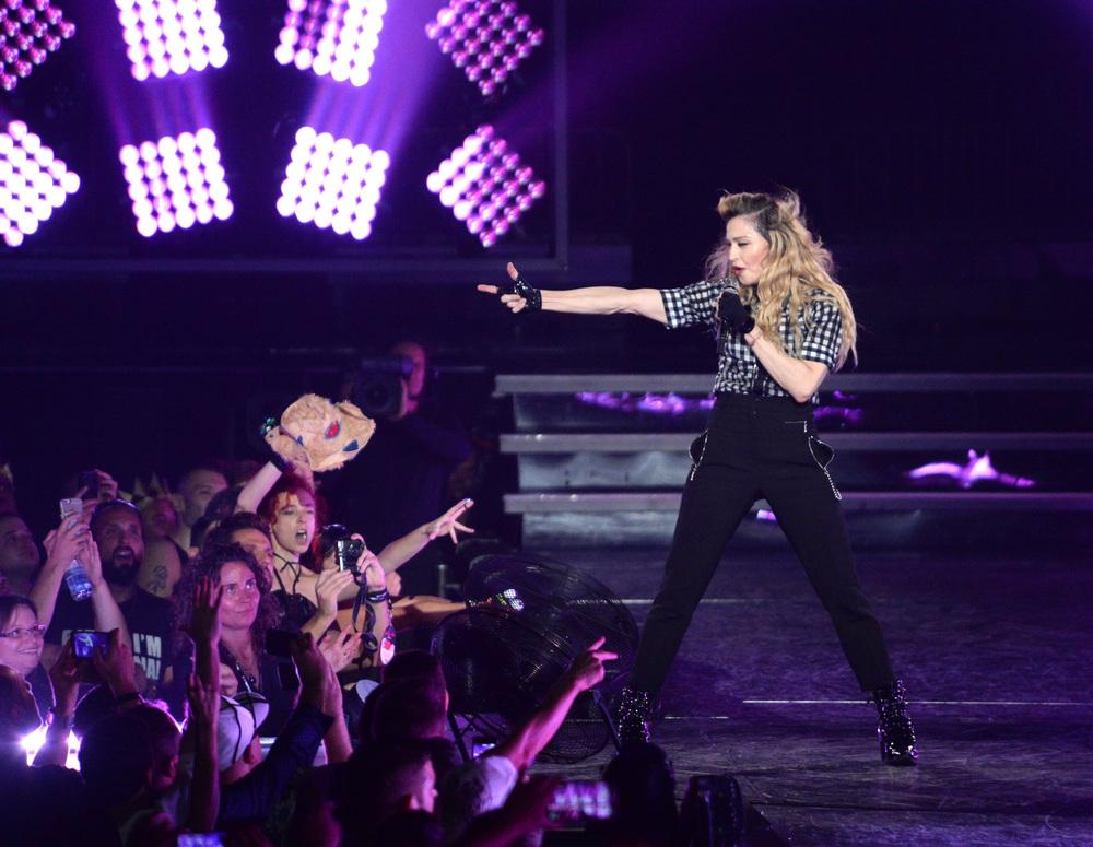 576711507LL080_Madonna_Rebe.JPG