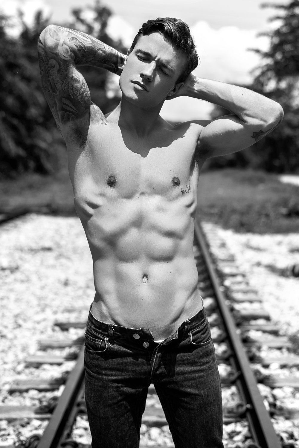 antoni-bialy-railway-2017-final-41bw.jpg