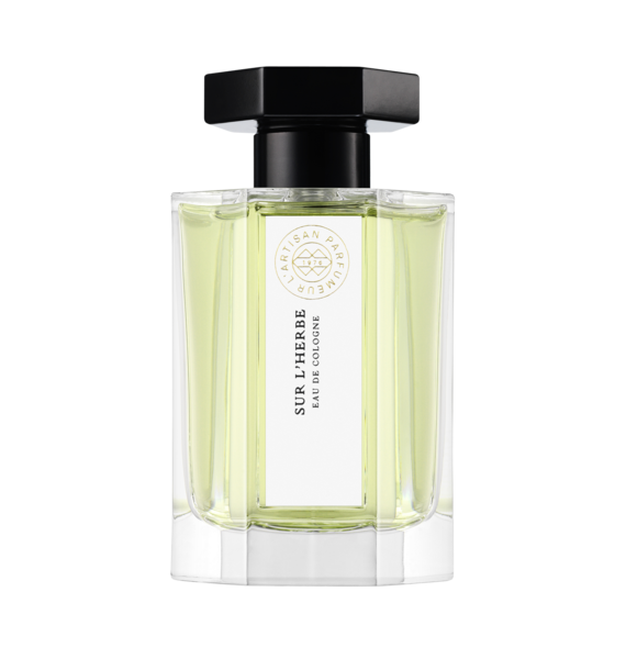 A Cologne inspired by Edouard Manet's Déjeuner sur l'Herbe, evocative of an impressionist nature. A crystalline and solar freshness, softened with a touch of musks.  Edouard Manet's Le Déjeuner sur l'Herbe provoked a real scandal when seen by art critics in Paris in 1863. Despite Manet's claims to classical art references, this scene, representing two fully dressed men with a naked woman picnicking in a forest, was considered as obscene by his contemporaries.  It's this raw modernity that carried the perfumer, Fabrice Pellegrin throughout the creation of this Cologne's formula. It prompted him to reinvent neroli or rather, the distillation of the orange blossom petal plant, by injecting a saturation of light. He has placed at the heart of the cologne, a solar accord, to which he has added white musk and amber ingredients with an overdose of oxygen which blurs all preconceptions.
