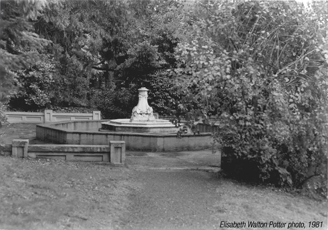 Butler_Perozzi_Fountain_Ashland_OR 1981.jpg