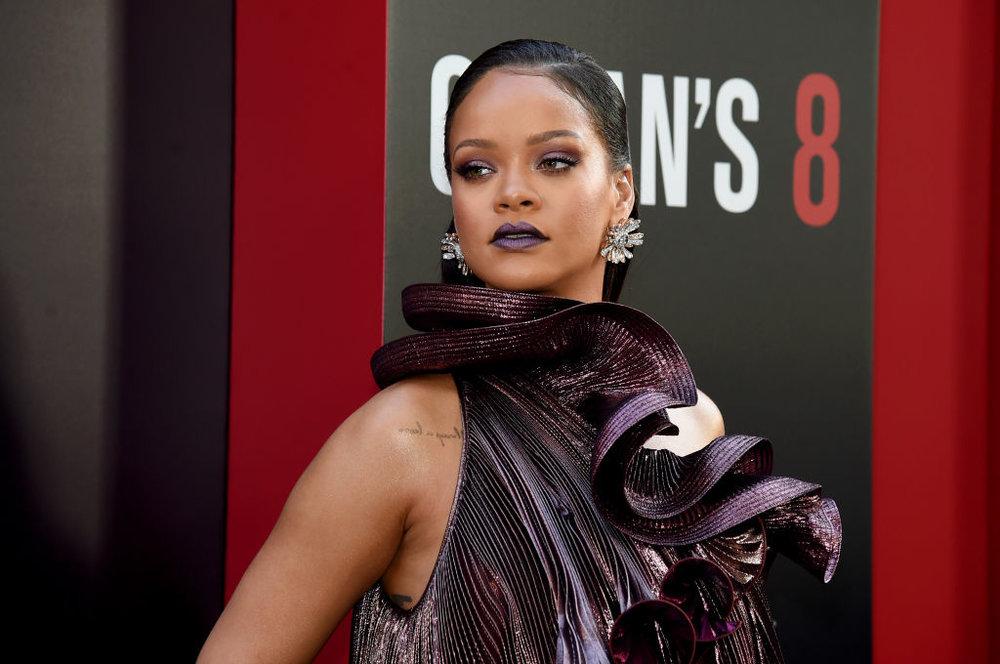Rihanna - Stars in