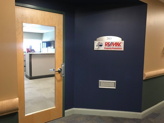 - Re/Max Property Promotions975 Merriam Ave, Leominster, MA 01453