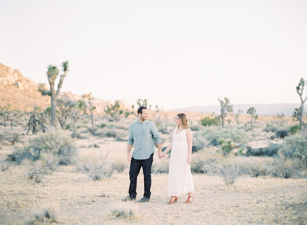 Joshua Tree Maternity Session Palm Springs-1-8.jpg