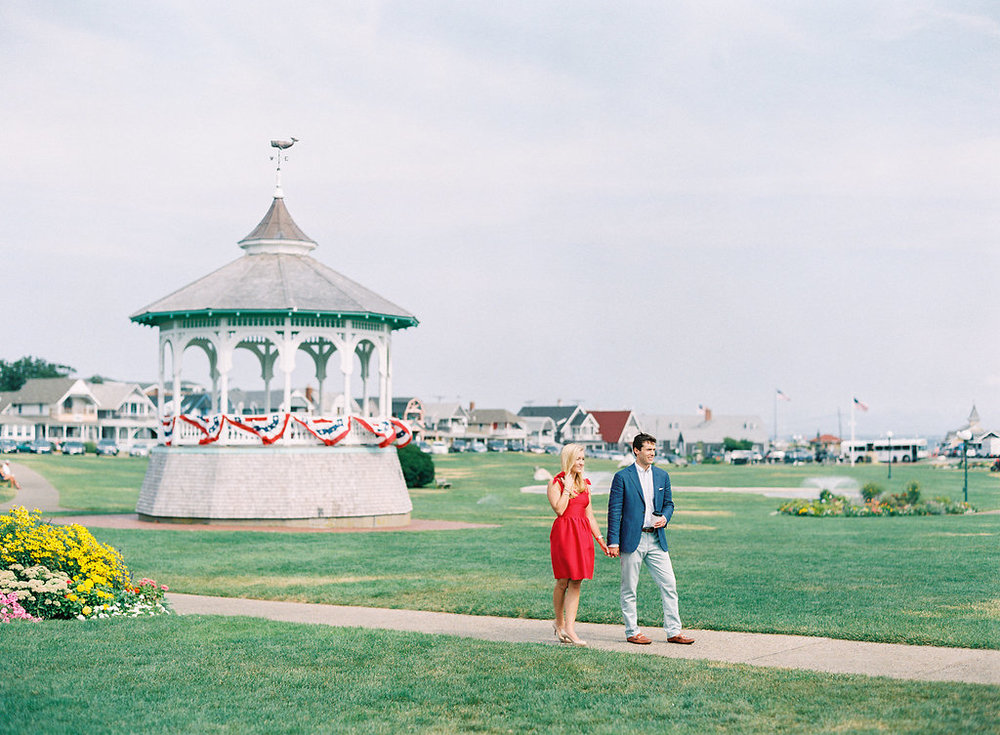 Marthas-Vineyard-Film-Photography-Anniversary-Session-12.jpg