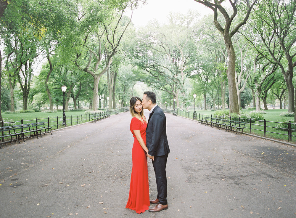 New-York-Film-Engagement-Session-Brooklyn-Bridge-Central-Park-13.jpg