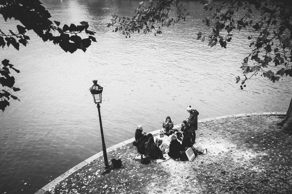 La Seine, Paris, France. Intimate and timeless black & white images from the streets of a seducing city.