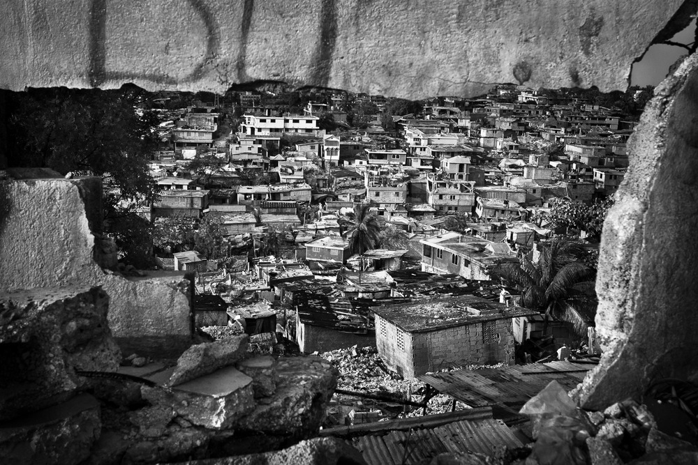 Port-au-Prince. The January 12. earthquake killed an estimated 200,000 people and destroyed thousands of houses. An estimated 2,000,000 people are left homeless, in a country already struck by immense poverty.