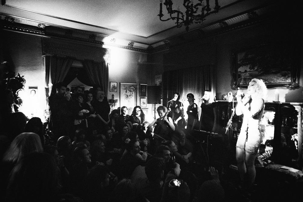 Ohara release koncert hos Marquis Marcel De Sade