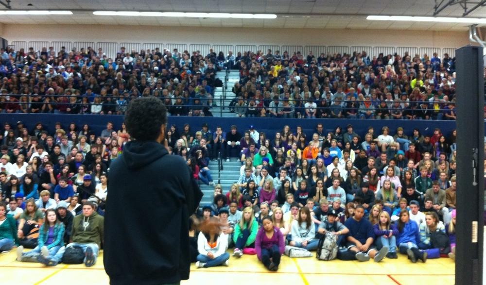 Mowo performing at Bend senior high school