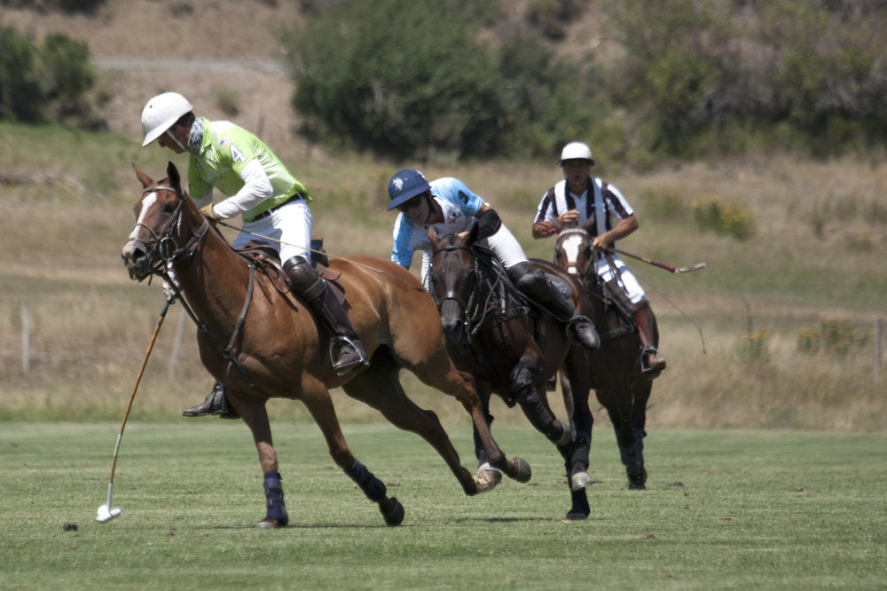 Stewart Armstrong of La Karina avoids the.JPG