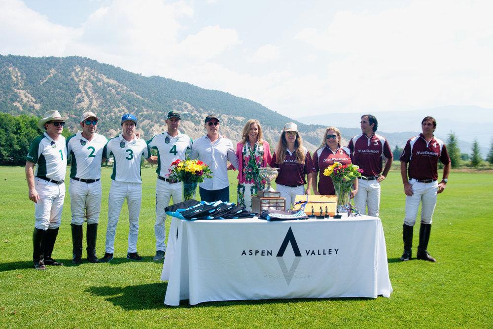 Mount Sopris Cup champion Tonkawa and runner-up Mandarina with award presenters and siblings Cindy and Ricardo Santa Cruz.