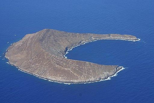 Lehua Island, which lies 0.7 miles north of Niihau . Photo:  Polihale via Wikimedia Commons
