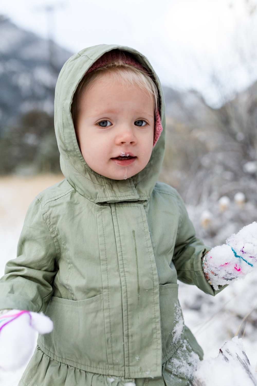 Tyla 18months first snow-8508.jpg