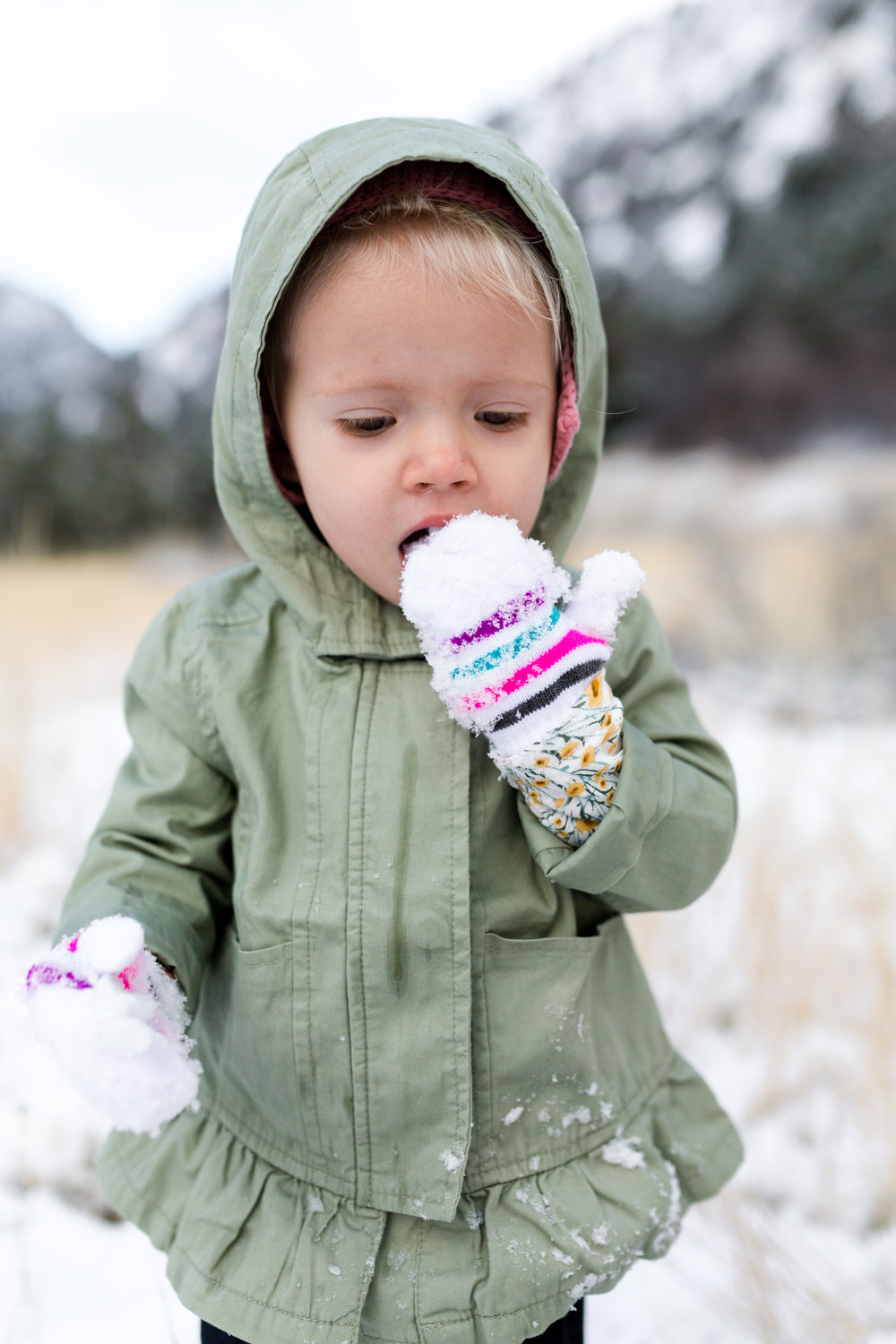 Tyla 18months first snow-8519.jpg