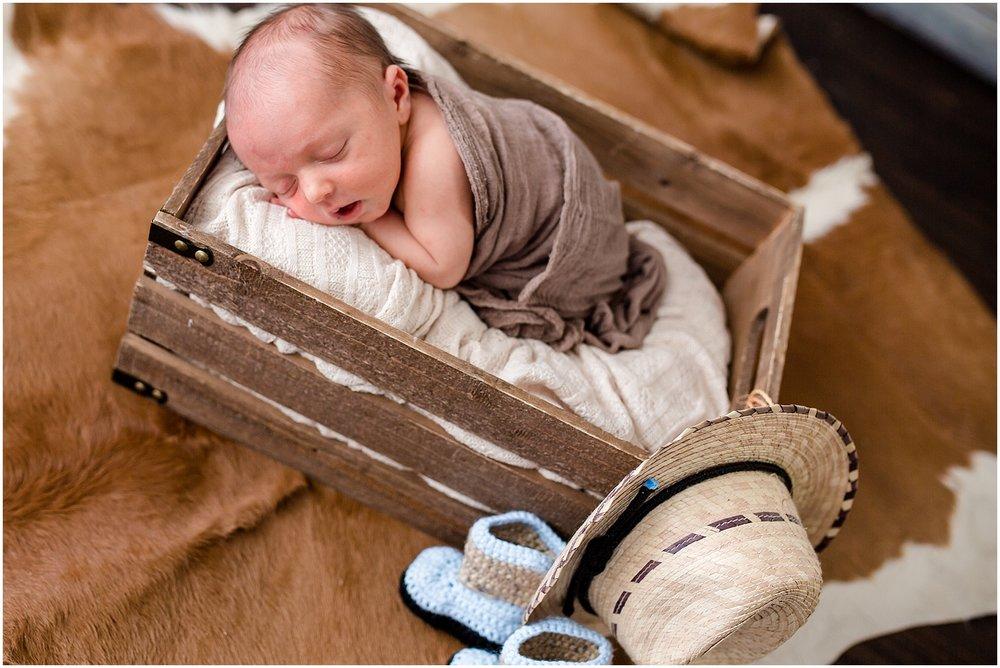 Logan-Newborn-Photographer_1268.jpg