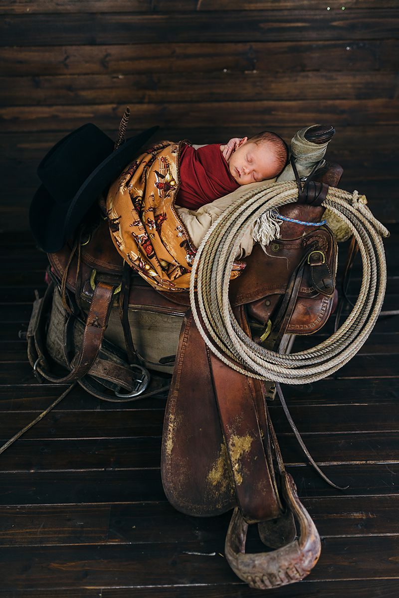 Cowboy Newborn Photos-9799.jpg