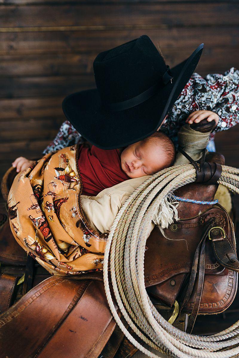 Cowboy Newborn Photos-9805.jpg