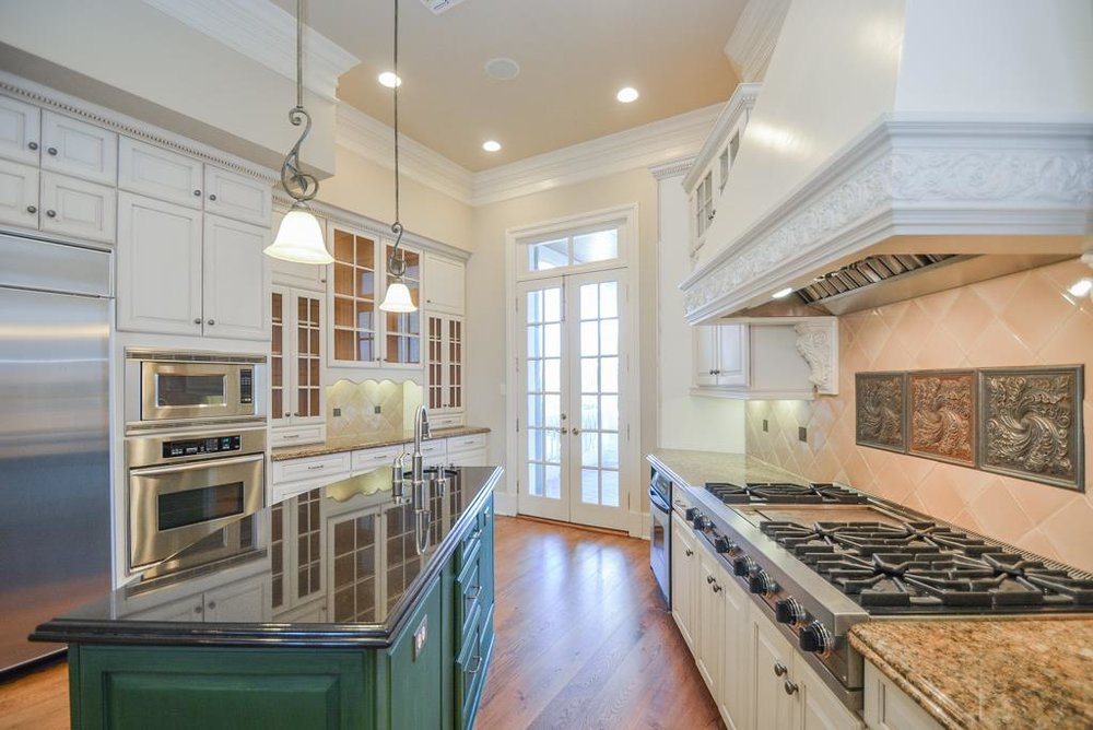 4227 Graham Heights Kitchen.jpg
