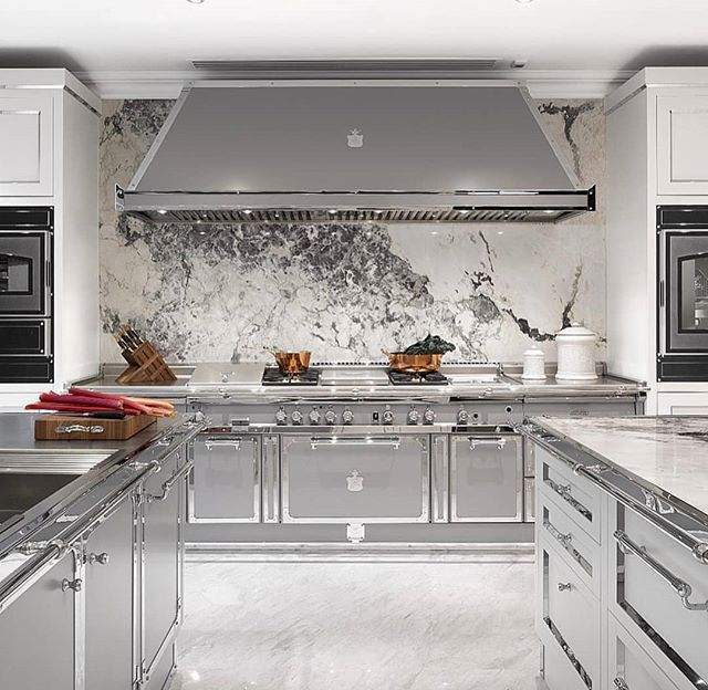 Perfection!!! Wouldn't you agree? The most entertaining area of the house; so why not look for or create a space like this of your own. For my contact info, click my link on my bio page.  #remaxgrandlll #remaxgrand #theblvddotinfo #ooooohshiny #kitchenofbeauty #inspiremehomedecor #officinegullo #greatwork #kitchenforakingandqueen