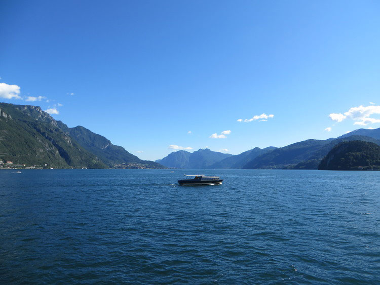 Middle-of-Lake-Como.jpg