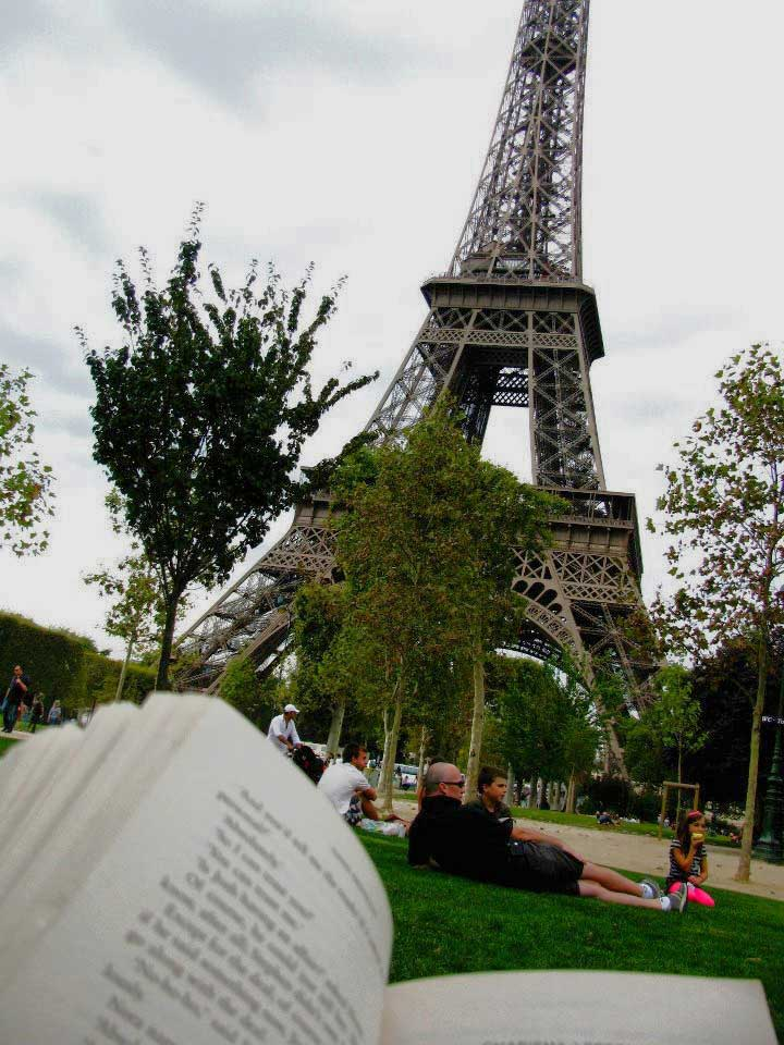 Paris-Book-Wanderlust