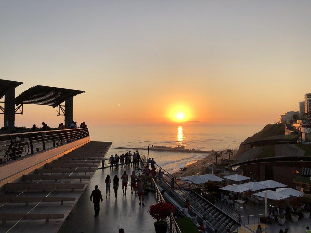 Sunset Miraflores Lima.jpg
