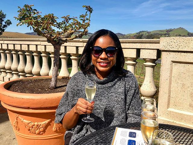 I know it's #PresidentsDay, but word on the street is that it's also #NationalDrinkWineDay 🍷🙌🏾 Reminiscing on all the wine consumed during my trip to Napa last year, and all the wine consumed since then ☺️🥂