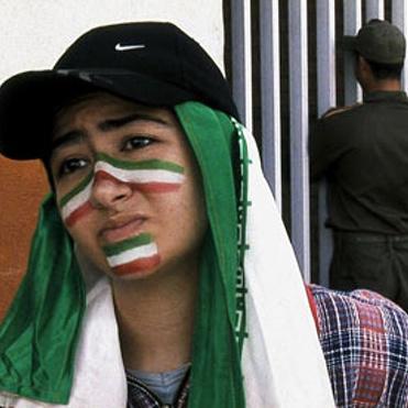 OFFSIDE (2006, Iran)