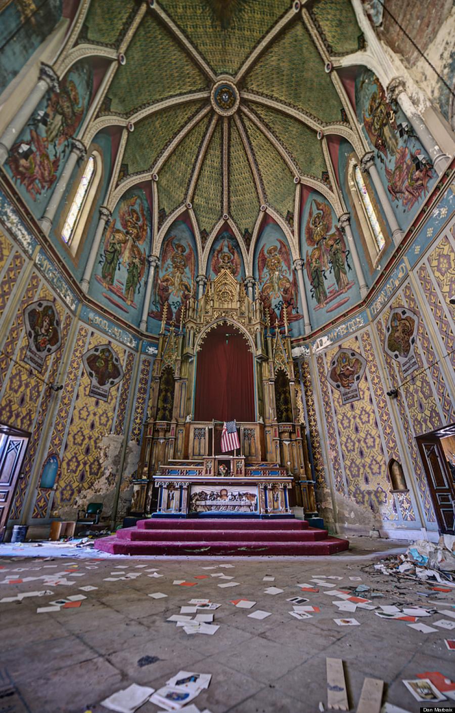 Abandoned church.jpg