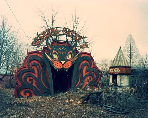 Abandoned-amusement-park-in-detroit-mi--17610.jpeg