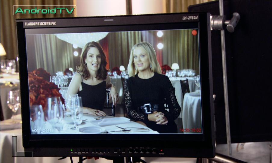 Tina Fey & Amy Poehler Golden Globes 2015 BTS 2.jpg