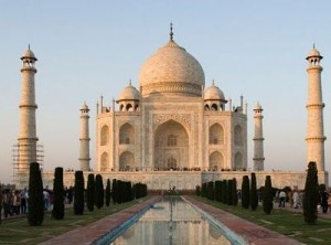 taj-mahal-at-sunrise-300x222.jpg